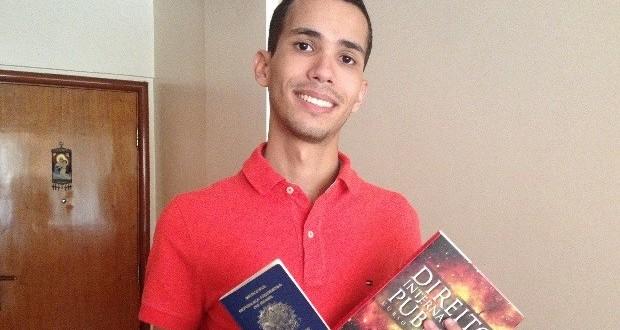 Jovem goiano, em parceria com CCBEU recebe bolsas de estudos dos EUA