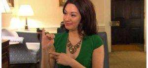 Para se encontrar com o presidente Obama ou algum funcionário da Casa Branca, você provavelmente será recebido, primeiramente, por uma mulher chamada Leah Katz-Hernandez.