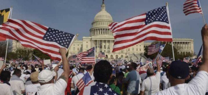 As Academias Nacionais de Ciências, Engenharia e Medicina realizaram estudos que comprovaram que os imigrantes que se mudam para os Estados Unidos estão se integrando à sociedade de uma forma tão rápida como nunca aconteceu.